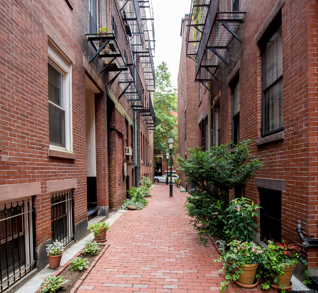 1 Bedroom Apartments Boston: Beacon Hill, Goodwin Place, Furnished 1 Bedroom On Private